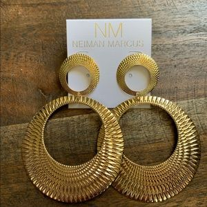 NM Brand new gold big size very nice